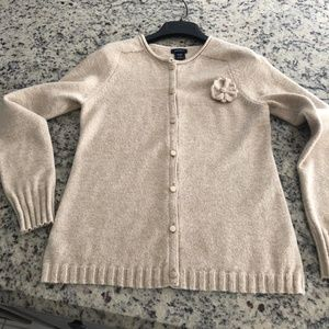 GAP Maternity Sweater with cute flower pin XS